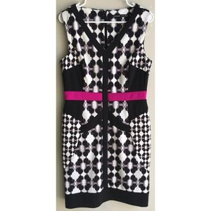 Ivanka Trump V-Neck Sleeveless Printed Shift Dress
